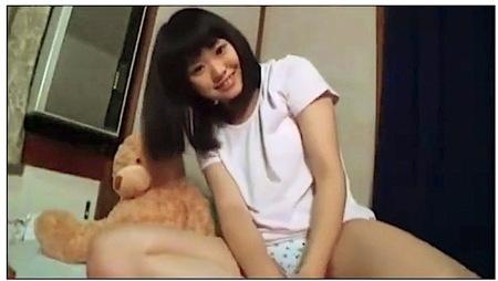 【個人撮影】可愛い中学生(風)!プリプリしたロリータお姉さんがエッチな自撮り!