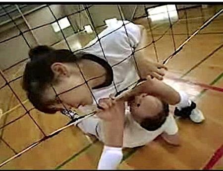 【jk】バレー部女子校生!練習中にコーチがクンニ!