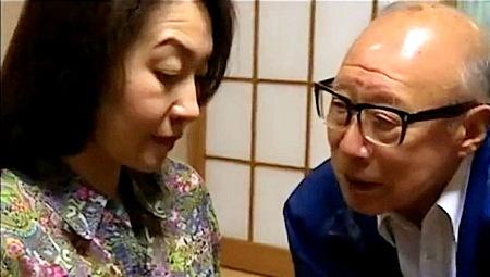 【ヘンリー塚本】金が無い人妻!未亡人が好色な義父の世話になる!大沢萌
