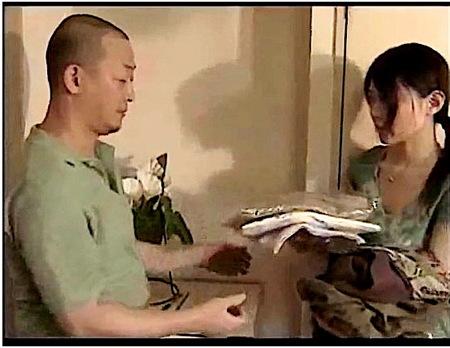 【ヘンリー塚本】SMクリーニング屋!夫とのセックスを語らせながらファック!結衣美沙