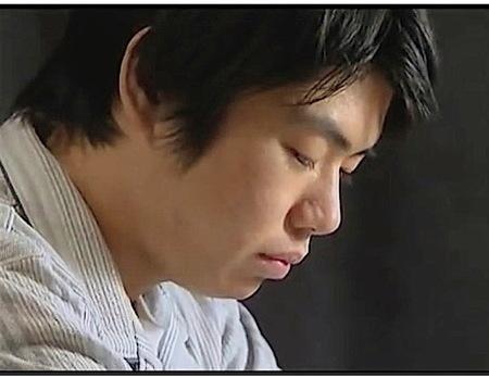 【ヘンリー塚本】受験生の息子!オナニーばかりしてるのでお母さんがセックス!大沢萌