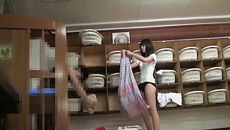 【風呂】可愛い美少女jkと子持ちママの多い温泉!