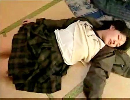 【ヘンリー塚本】邪悪な強姦魔の泥棒!民家に侵入して睡眠薬レイプ!
