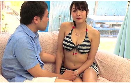 【マジックミラー号】真夏の海水浴場!デカパイのビキニお姉さんは童貞をヘルプサポート!