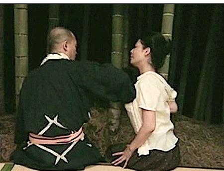 【ヘンリー塚本】竹やぶの見える空き家で大工とファック!中山水穂
