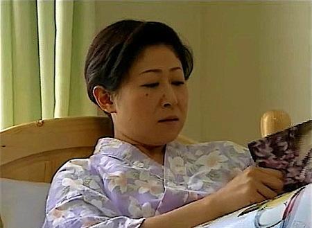 【ヘンリー塚本】「オムツ代えてくださらない」!中年女が介護士におねだりエッチ!美里流季