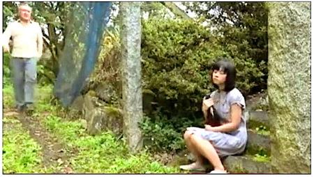 【ヘンリー塚本】変態(すきもの)!山の中に露出狂がでた!成澤ひなみ 汝鳥すみか