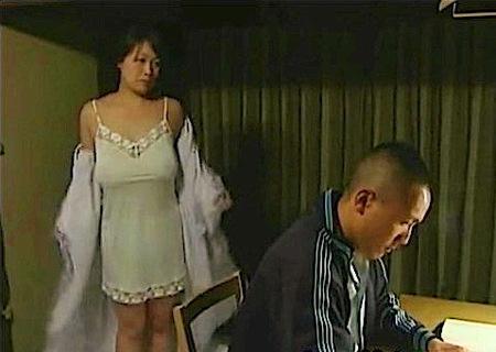 【ヘンリー塚本】爆乳奥さま!受験勉強の息子とファック!鮎川るい