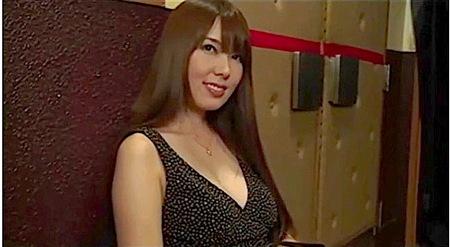 【ヘンリー塚本】波多野結衣!美人すぎて頭がおかしい奥さまが映画館でオメコ出す!