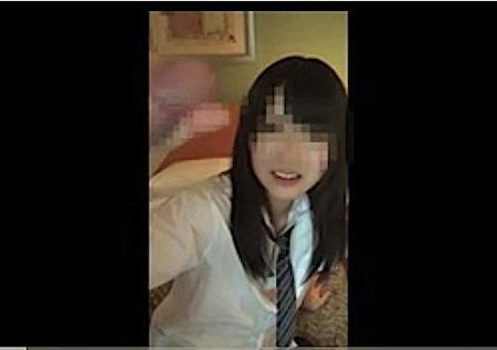 【個人撮影】制服女子!可愛いすぎる美少女がおっさんをフェラチオ!