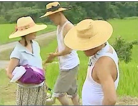 【ヘンリー塚本】農家の出戻り娘!家族と畑で近親相姦!夏海エリカ