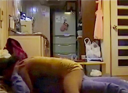 【個人撮影】人妻寝取られ!ドスケベな痴女の中年女が間男のおチンチンをフェラチオ!