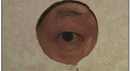 【ヘンリー塚本】壁の穴!妻が寝取られるのを覗いて興奮!