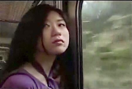 【ヘンリー塚本】夫婦生活に不満のドスケベ奥さま!電車で浮気!【大越はるか】