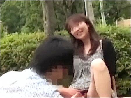 【個人撮影】寝取り寝取られ!中年女の奥さまが単独男性と青姦!