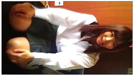 【個人撮影】JK巨乳!豊満な可愛い美少女と彼氏がファック!