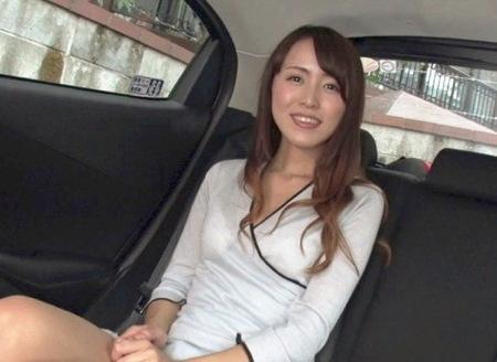 【ナンパ】五つ星美人妻!車内でパンチラしてからラブホテルでファック!
