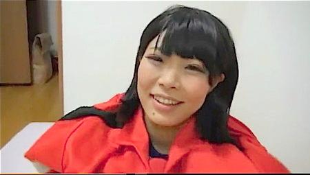 【個人撮影】赤いジャージ!テニス部の可愛い美少女が援交セックス!