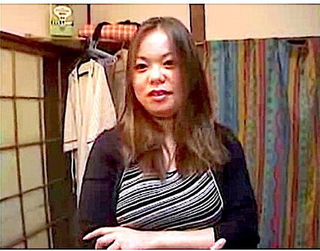 【個人撮影】巨乳人妻!団地の太った奥さまと浮気!