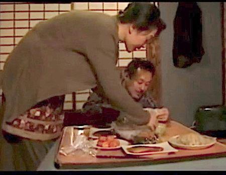 【ヘンリー塚本】娘が入院中!義母とファックしてしまう婿!
