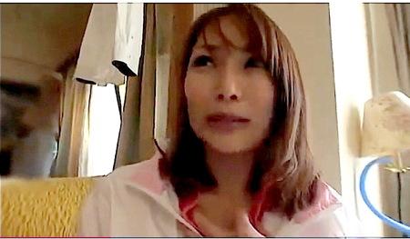 【人妻ナンパ】テニス場のスポーティな奥様!四十路人妻と寝取られファック!