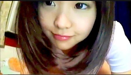 【個人撮影】アイドル級の可愛い美少女ロリータ!セクシーランジェリーで生ストリーミング配信!