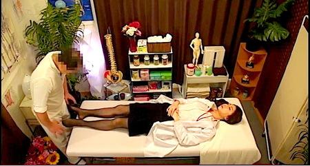 【マッサージ】指圧医療マッサージ施術院!女医が肉棒で揉まれる!