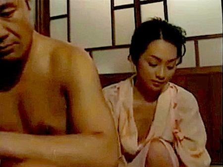 【ヘンリー塚本】色気のある美人女中!おチンチンを洗わせるご主人!小沢徹