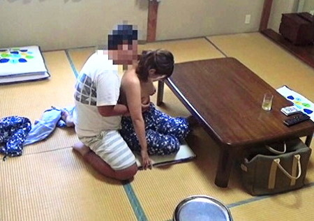 【人妻ナンパ】評判の仲居さん!世間話からファック!