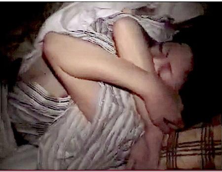 【個人撮影】ホテル従業員!泥酔女子大生を夜這い強姦レイプ!