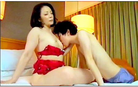 【人妻ナンパ】五十路ナンパ!ラブホテルで中年女が若い男とする!
