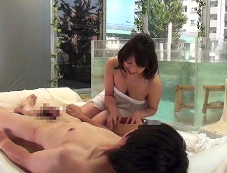 【マジックミラー号】MM号温泉を設置in池袋!大学生が入浴する!