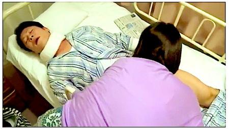 【ヘンリー塚本】入院している夫!奥さまが見舞いに来ておチンチンをフェラチオ!