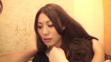 【人妻ナンパ】六ヶ月前からエッチしてない美人奥さま!「おチンチン入れて!」