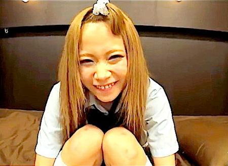 【個人撮影】茶髪不良女子高生!ドスケベな可愛い美少女が階段でエッチ!