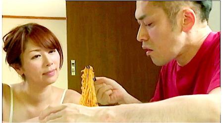 【ヘンリー塚本】ワルの息子!義母が作った愛情ラーメンを食う!翔田千里