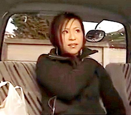 【熟女ナンパ】買い物帰りのアラサー!美人奥さまが電気マッサージ器でイク!