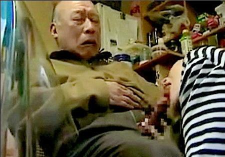 【ヘンリー塚本】古希すぎた70代!息子よりおチンチンが硬いのね!