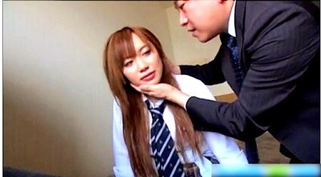 【成瀬心美】茶髪の巨乳女子!昼間からラブホテルでおっさんファック!
