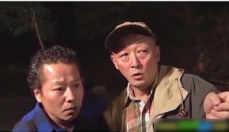 【ヘンリー塚本】キャンプ場!泥酔して野良ションしてる奥さま!浅井千尋