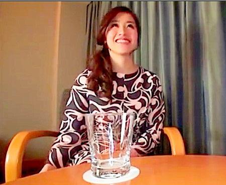 【人妻ナンパ】電マでオナニー!素晴らしい美人奥さまが絶頂を求めて初撮りAV!