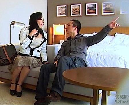 【人妻ナンパ】ナンパされたエッチな素人!自慢のデカパイ奥さまを捕獲ファック!