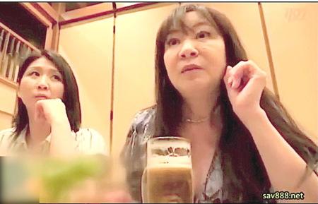 【人妻ナンパ】還暦で高齢!居酒屋で捕獲したド派手な六十路おばさん!
