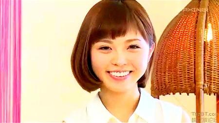 【水鳥文乃】可愛い美少女!明るい性格のロリータの初撮りAV!