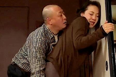 【ヘンリー塚本】女房の母!エロすぎて強姦レイプするおっさん!