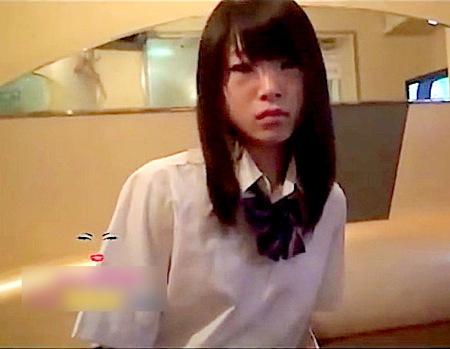 【美少女】JCが援交放尿!可愛い美少女ロリータだが変態おしっこ!