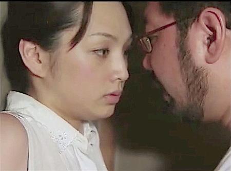 【ヘンリー塚本】三万円で!変態オヤジが金を出して脇の下を舐める!君島冴子