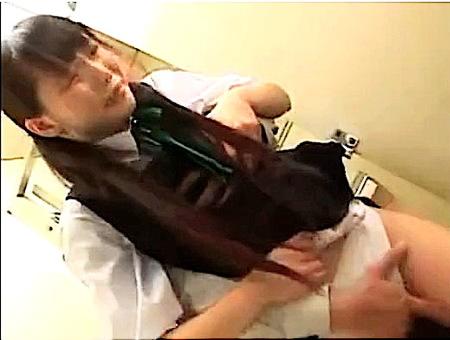 【美少女】スカート校則違反!可愛い美少女がおっさんにファック指導!
