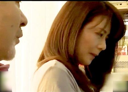 【ヘンリー塚本】変態夫婦!寝取られた奥さんがオルガスムスに達する!三浦恵理子