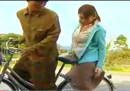 【ヘンリー塚本】自転車の乗るムチムチお姉さん!兄とファック!
